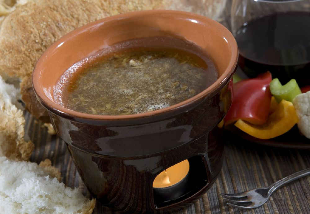 https://itrepoggi.it/files/2017/05/Bagna-Cauda.jpg